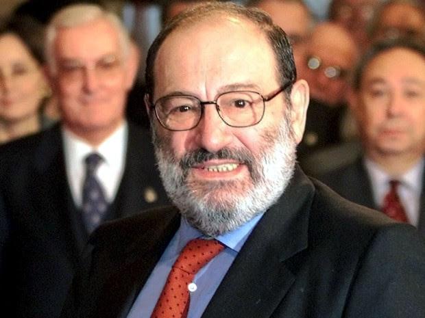 O escritor Umberto Eco na cerimônia dos vencedores do Prêmio Príncipe das Astúrias, em Oviedo, em 27 de outubro de 2000 (Foto: Reuters/Desmond Boylan)