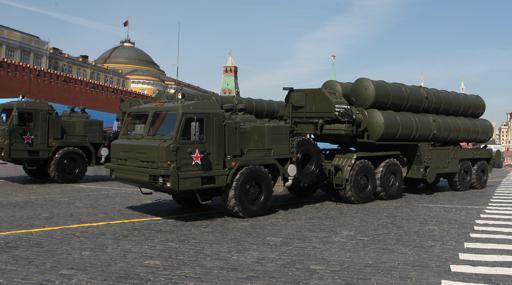 Complejo de misiles balísticos móviles 9k720 Iskander rusos, en la Plaza Roja de Moscú