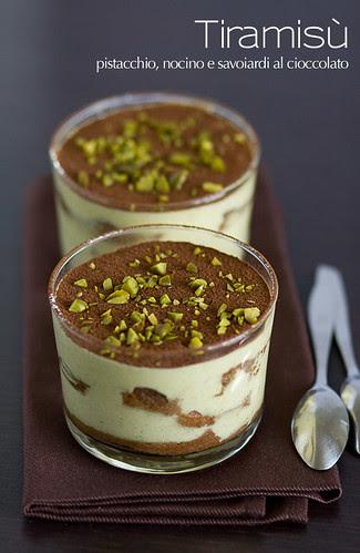 Tiramisú - pistacchio, nocino e savoiardi al cioccolato