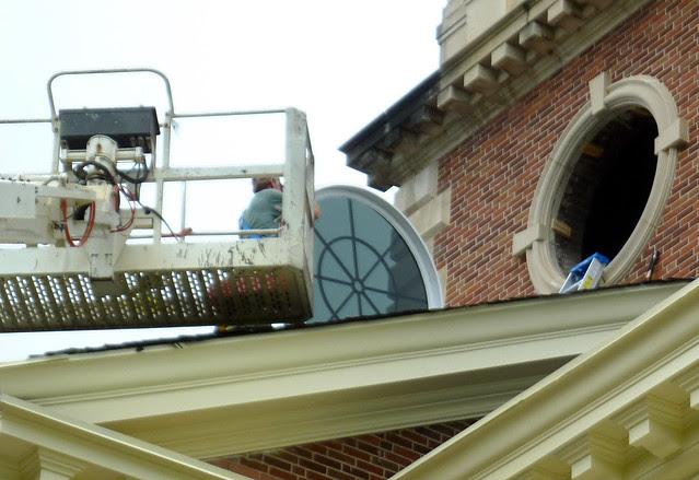 P1120036-2012-09-17-Decatur-1st-Baptist-steeple-window-repair-detail