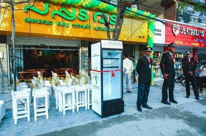public-street-fridge-for-homeless-india-8