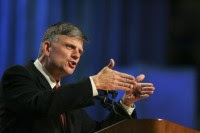 """""""A Bíblia chama de tolos os que não creem em Deus"""", diz o pastor Franklin Graham sobre ateus"""