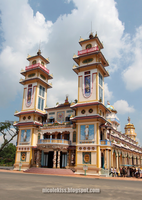 front of Tay Ninh Holy See