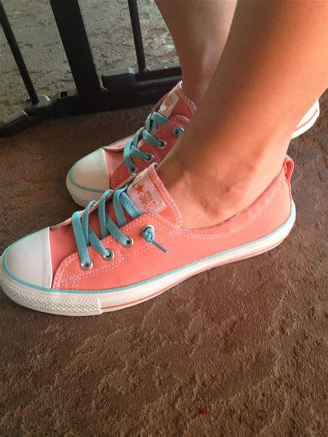 chucks images  pinterest converse shoes