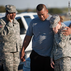 Fort Hood gunman alive and in custody, commander says