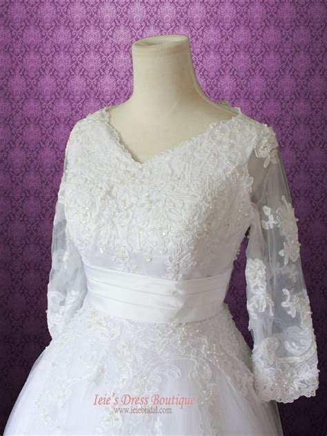 Modest Retro 50s Tea Length Lace Wedding Dress with 3/4