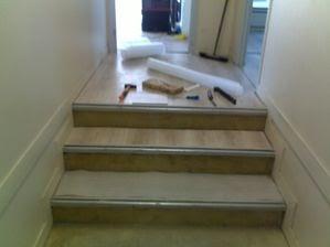 b timent brique pose parquet flottant dans escalier. Black Bedroom Furniture Sets. Home Design Ideas