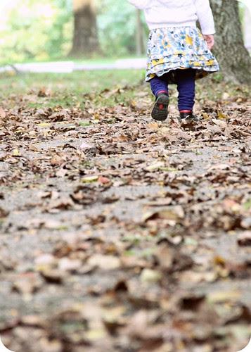 Eva feet in leaves