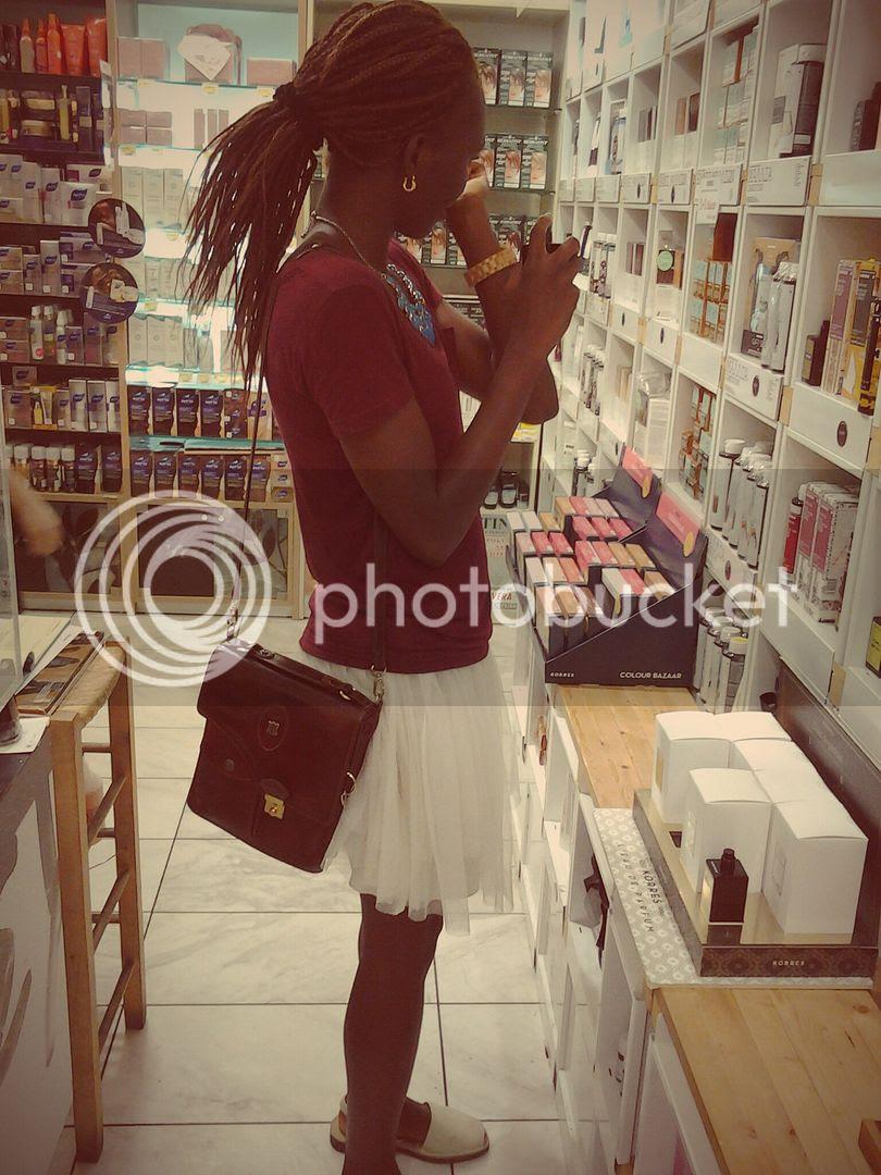 photo Greek Beauty Shopping_zps1nladdp6.jpg