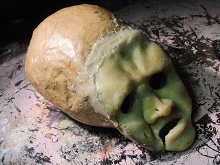 Twitr_janus skull