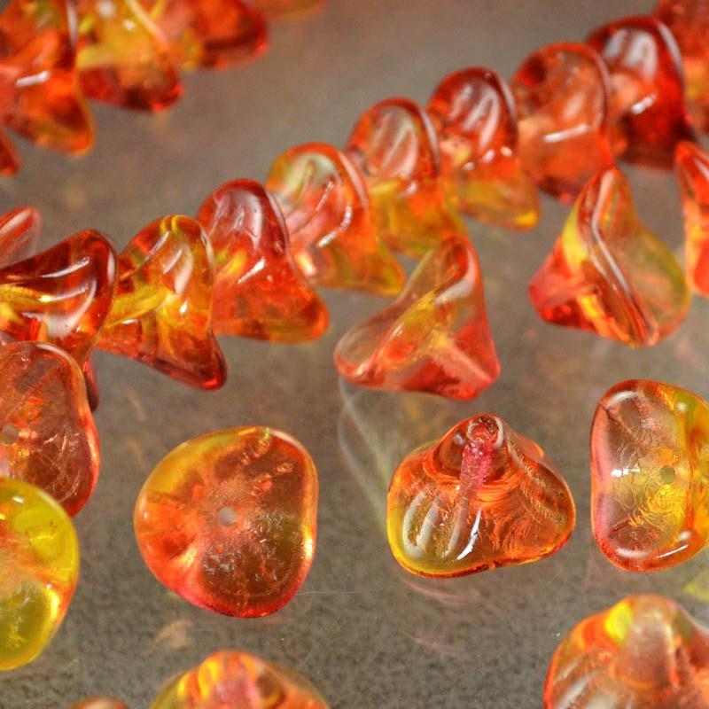 s43892 Glass Flowers - 12 x 10 mm Trumpet Lily - Citrus Splash (strand 25)