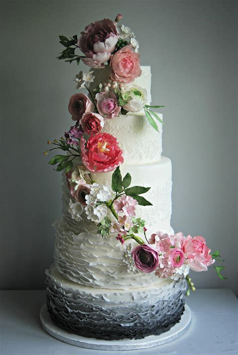 Floral wedding cakes that are too pretty to eat!   Love