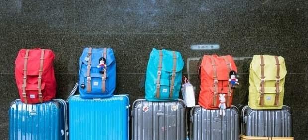 ¿Cuántas maletas se pueden subir al avión con un billete básico de una compañía 'low cost'?