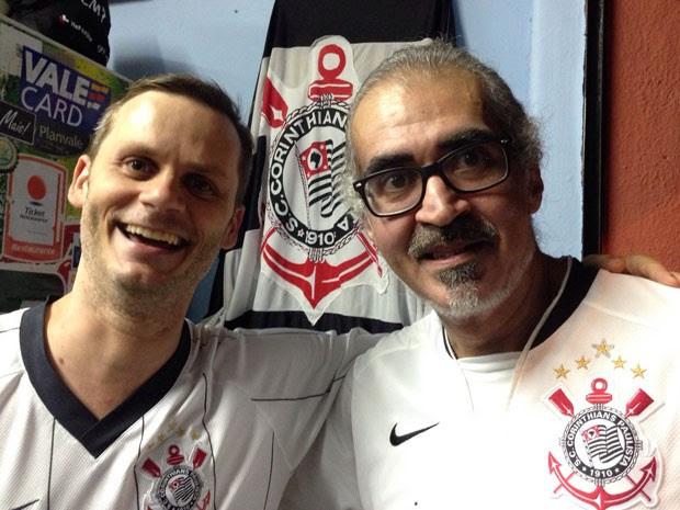 Marcão e Batonga vão ver o jogo uniformizados (Foto: Glauco Araújo/G1)