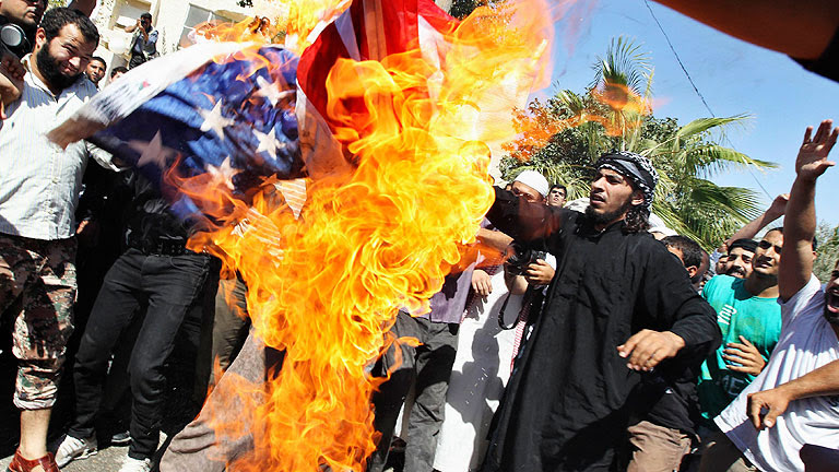 La ira islamista contra las embajadas de EE.UU. se extiende por el mundo musulmán
