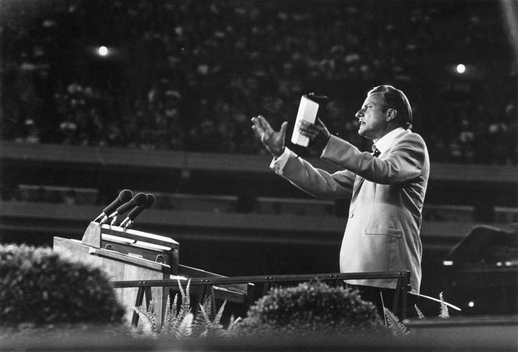 Billy Graham's Early Ministry and 7 Powerful Sermons ...