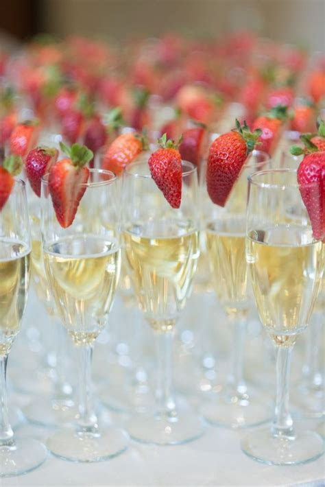 40 Strawberry Wedding Ideas and Desserts for Summer   Deer