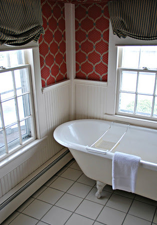 Clawfoot Tub in Suite #38