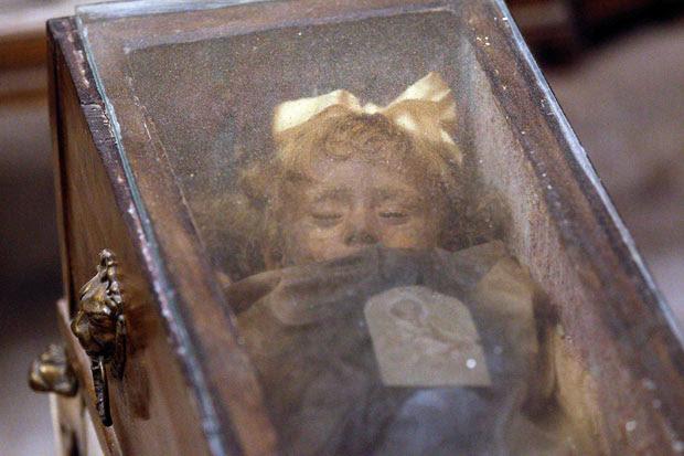 rosalia lombardo momia El misterio de Rosalía Lombardo: la momia que abre y cierra los ojos