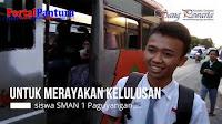 VIDEO: Rayakan kelulusan dengan bagi-bagi tajil gratis
