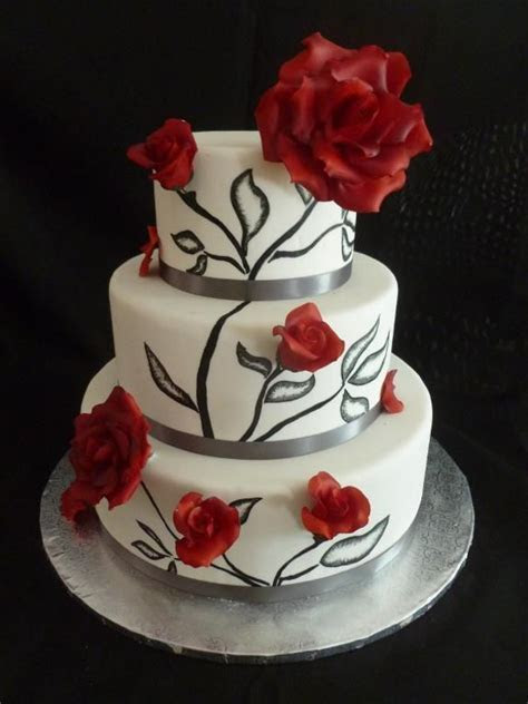 Cake Decorating: Wedding Cake, three tier, black and white