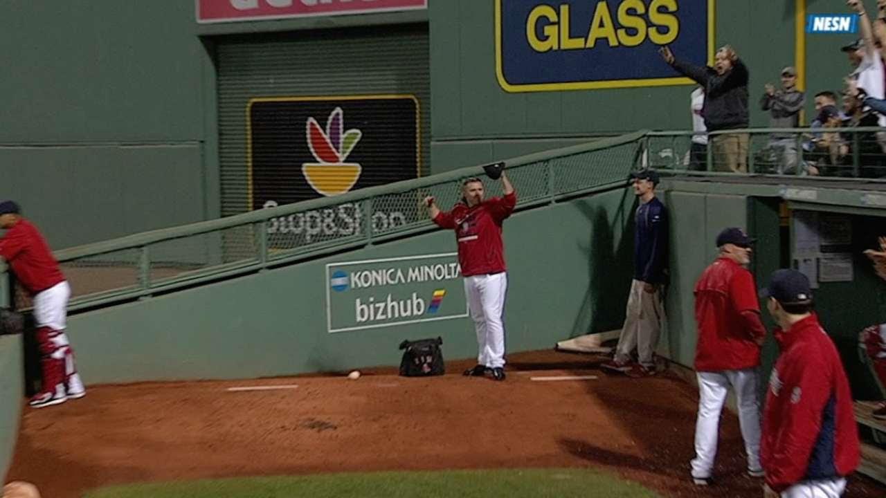 Ortiz y Napoli conectan jonrones en triunfo de Boston