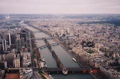Pemandangan Paris dari puncak Eiffel Tower, Paris, France
