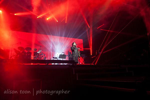 Steve Hogarth, vocals, Marillion