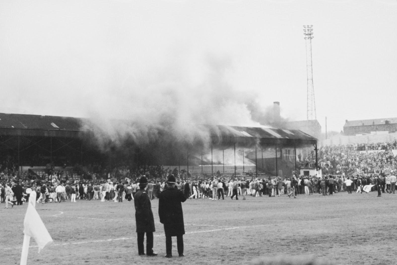 Bradford City stadium fire 30th anniversary: Remembering ...