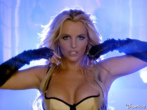britney-spears-work-bitch-1002-46-600x450