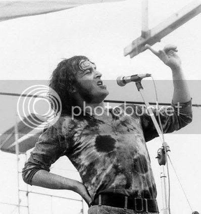 http://i55.photobucket.com/albums/g144/hrstumpde/Soundtrack/2012%20Posts/2012%20August/Woodstock/JoeCocker.jpg