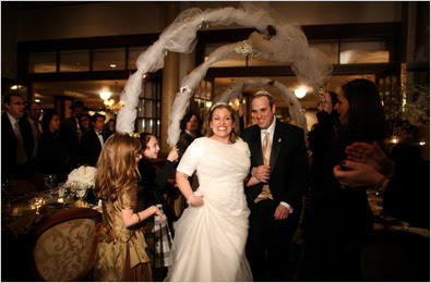 GREAT NECK, N.Y., DEC. 30 The couple married before nearly 400 family members and friends at the Great Neck Synagogue.