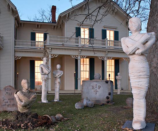Mummy Statues