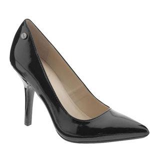 Must-Have Shoes: Black Pumps One-Piece