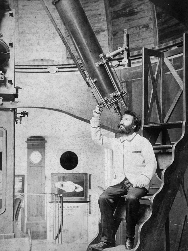 https://upload.wikimedia.org/wikipedia/commons/8/81/Camille_Flammarion_at_the_eyepiece_of_his_9%C2%BD-inch_Bardou_refractor_at_his_Juvisy_observatory.jpg