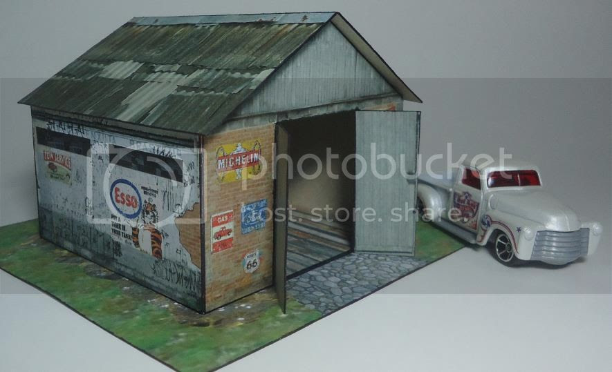photo the.old.garage.1.64.papercraft.002.by.papermau_zpsmlwgrgrm.jpg