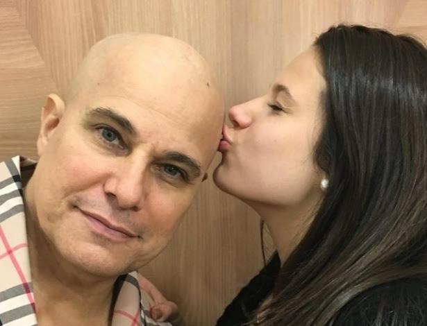 Edson Celulari com a filha, Sophia, em foto postada por Claudia Raia