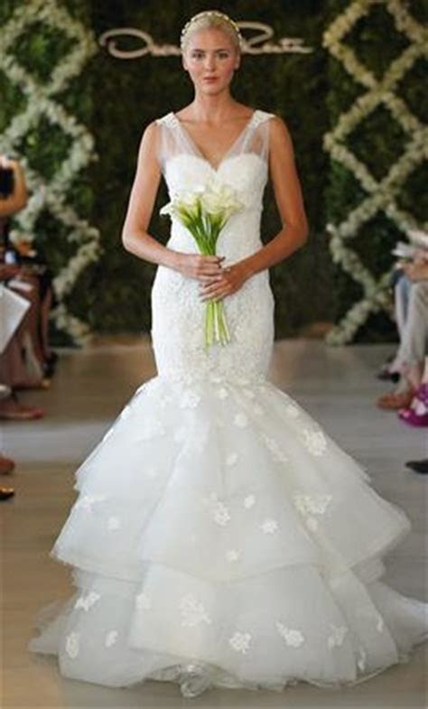 Oscar de la Renta $3,900 Size: 8   Sample Wedding Dresses