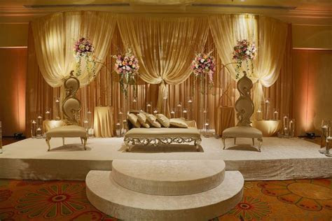 Backdrop/Room Drapery   Wedding Flowers and Decorations