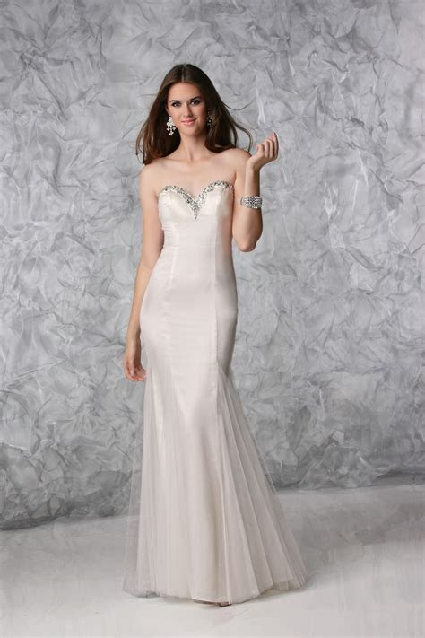 Cheap Petite Wedding Dresses >> Busy Gown
