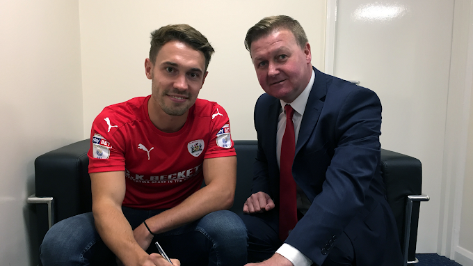 Tom Bradshaw Set to Join Millwall on Initial Loan Deal