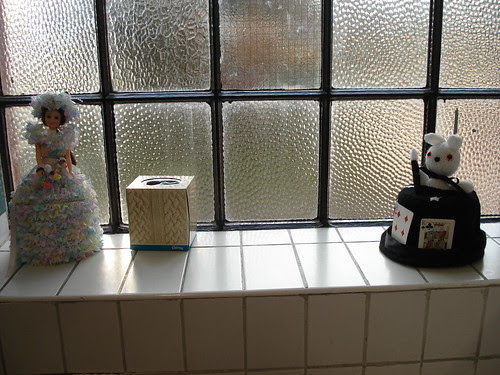 Knitted Unravel decorations toilet paper rolls tissues