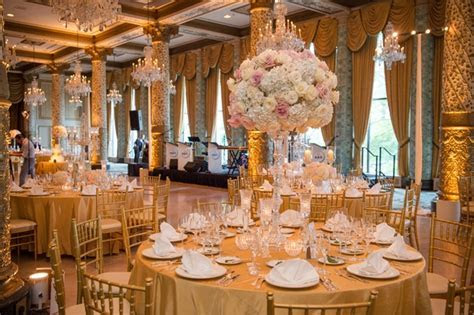 Catholic Ceremony   Classic Chicago Reception with a Hint