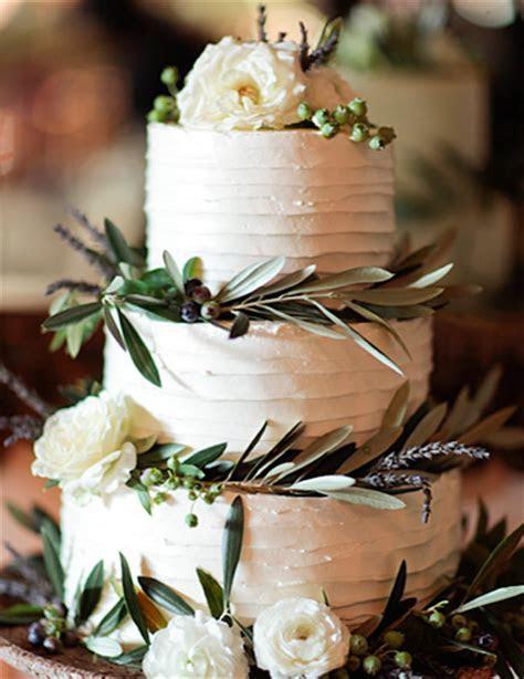 Winter wedding cakes   Bride Groom   December 2014