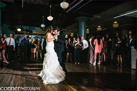 City Museum Wedding by St Louis Wedding Photographers