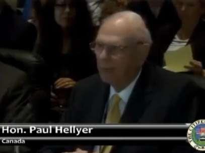 O canadense Paul Hellyer se define como o primeiro político influente dos países desenvolvidos a atestar a existência de óvnis Foto: YouTube / Reprodução