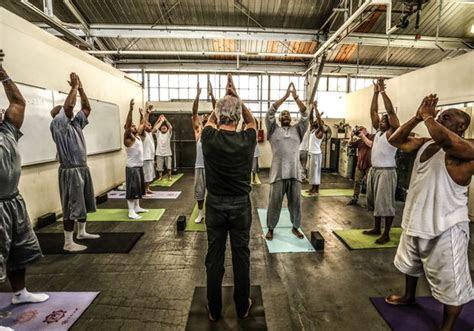 trains yoga instructors  teach  canadian