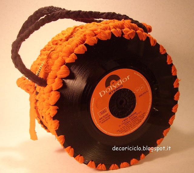 borsa 45 giri con fettuccia da canotta arancione 2