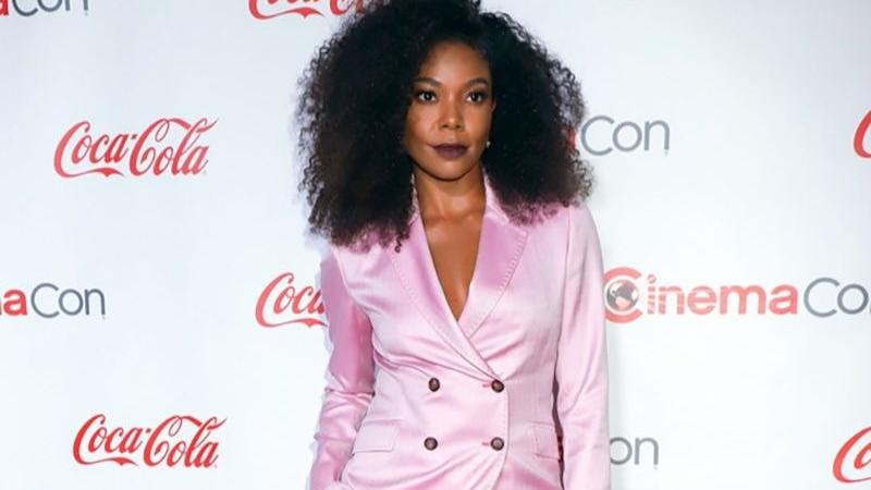 Celebrity Gossip: Gabrielle Union, Julianne Moore, The Kissing Booth 3 and More! – 92.3 The Dock (iHeartRadio)