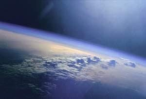Raios cósmicos induzem formação de nuvens e influenciam temperatura na Terra